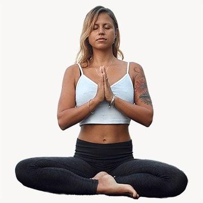 Ekolibi vrouw aan het mediteren